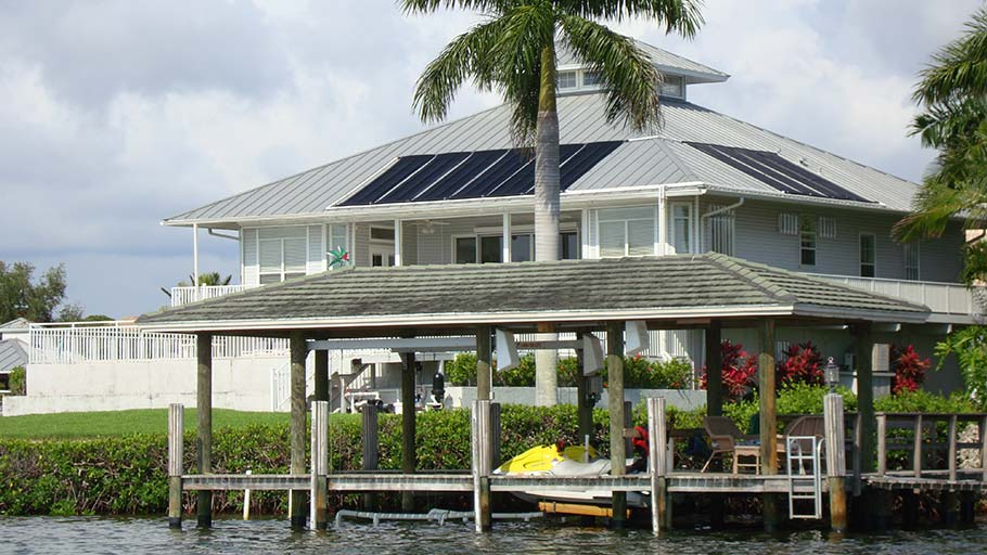 Port Charlotte House with Solar Pool Heating